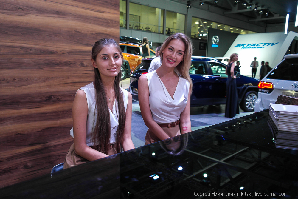 Девушки автосалона ММАС-2014