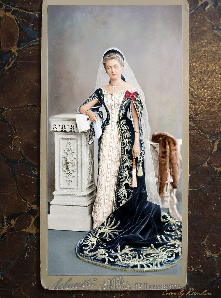 unknown_woman_in_russian_court_dress_by_klimbims-d6ytbp5.jpg