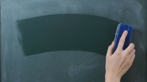 erase-chalkboard-school-rtbf-ss-1920-800x450.jpg