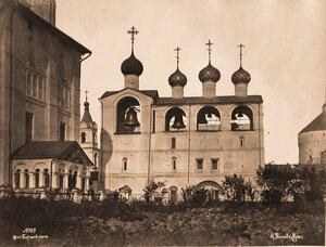 Вид соборной звонницы в Кремле (построена в 1682-1687 гг.). Ярославская губ.