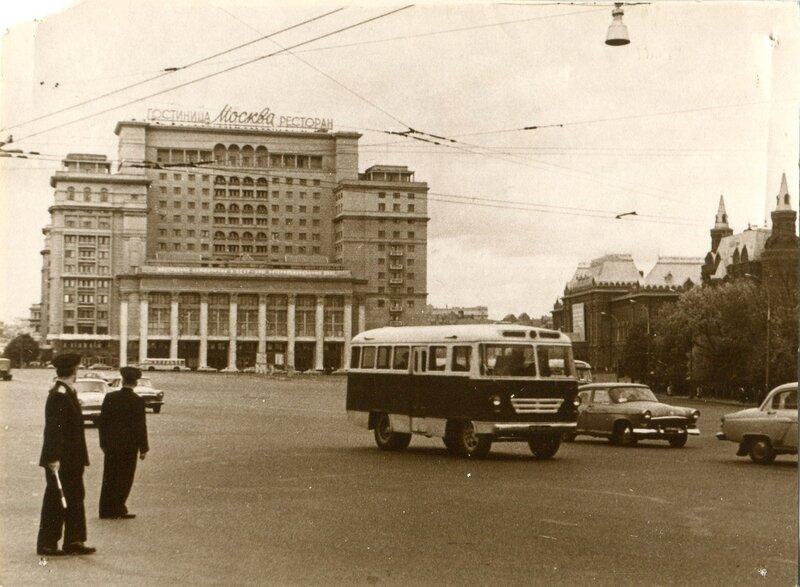 img14181 1964 Москва Манежная пл.jpg