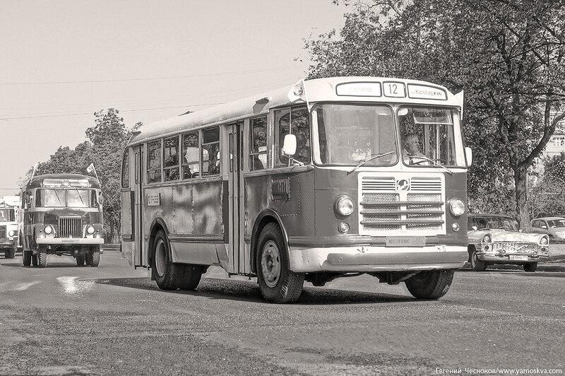 Лето. Парад ретроавтобусов. 09.08.14.46с..jpg