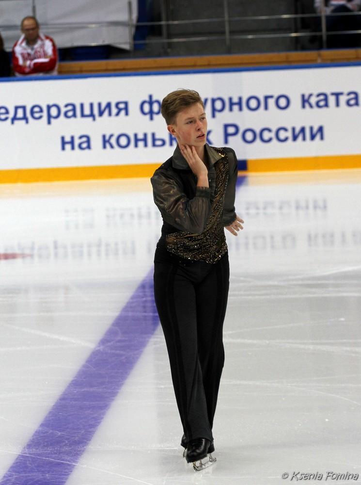 Александр Петров 0_c67ab_9b5f9a00_orig