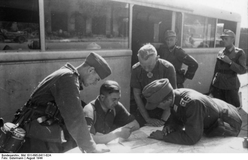 Warschauer Aufstand, Offiziersbesprechung