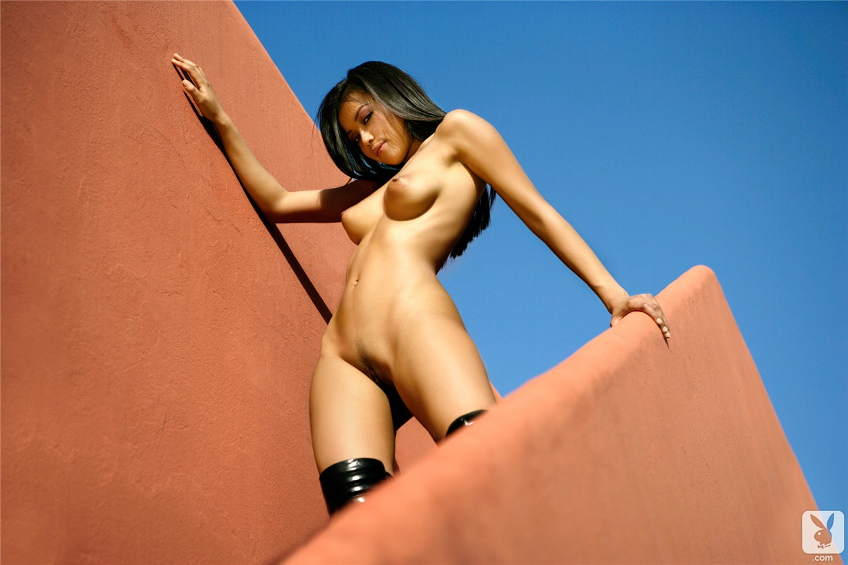 playmate / Myo Ling in Playboy Netherlands march 2008