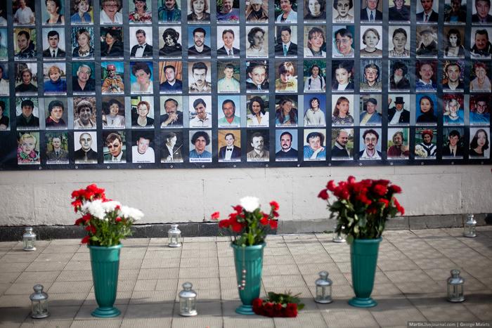 0_b380c_2c26540c_orig В Москве почтили память жертв Норд-Оста (фото)
