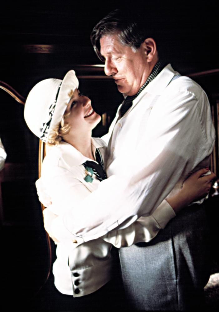 CAT'S MEOW, Kirsten Dunst (as Marion Davies), Edward Herrmann, (as William Randolph Hearst), 2002, (c) Lions Gate