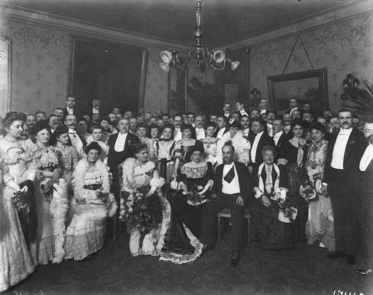 07. Группа сотрудников посольства. В центре - посол, граф фон-Альвенслебен с супругой. Июль 1906