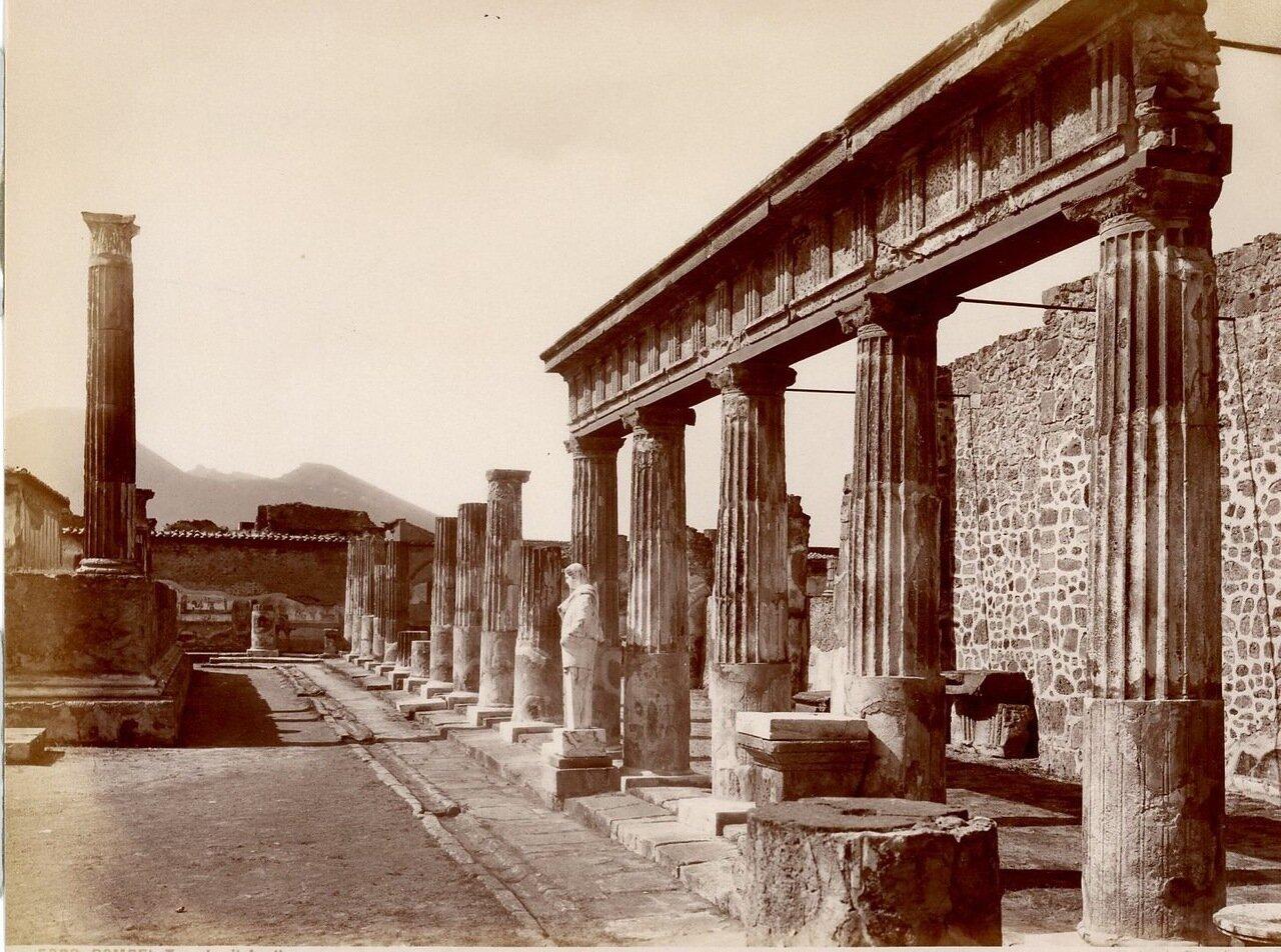 1875. Храм Аполлона