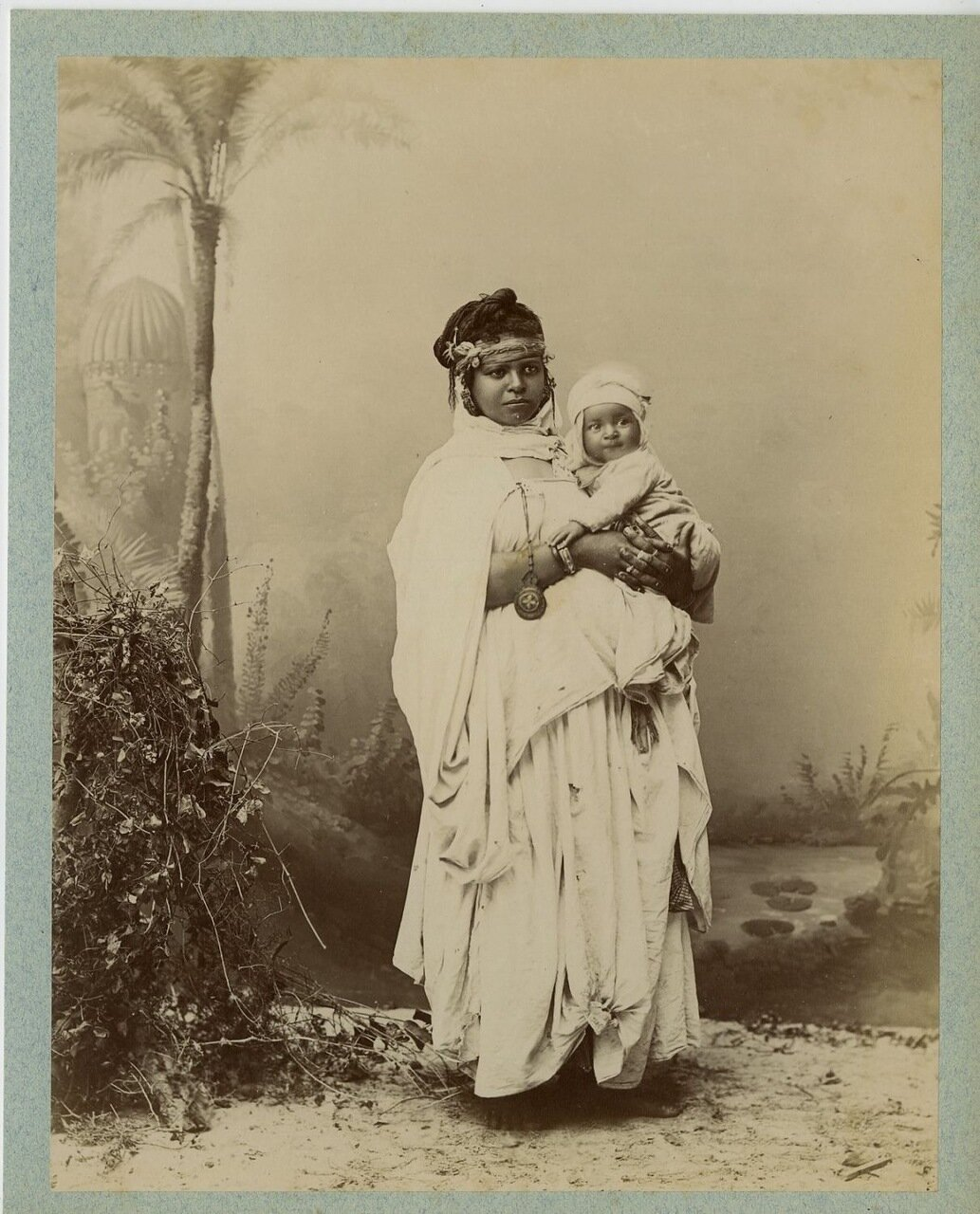 1875. Арабка с ребенком