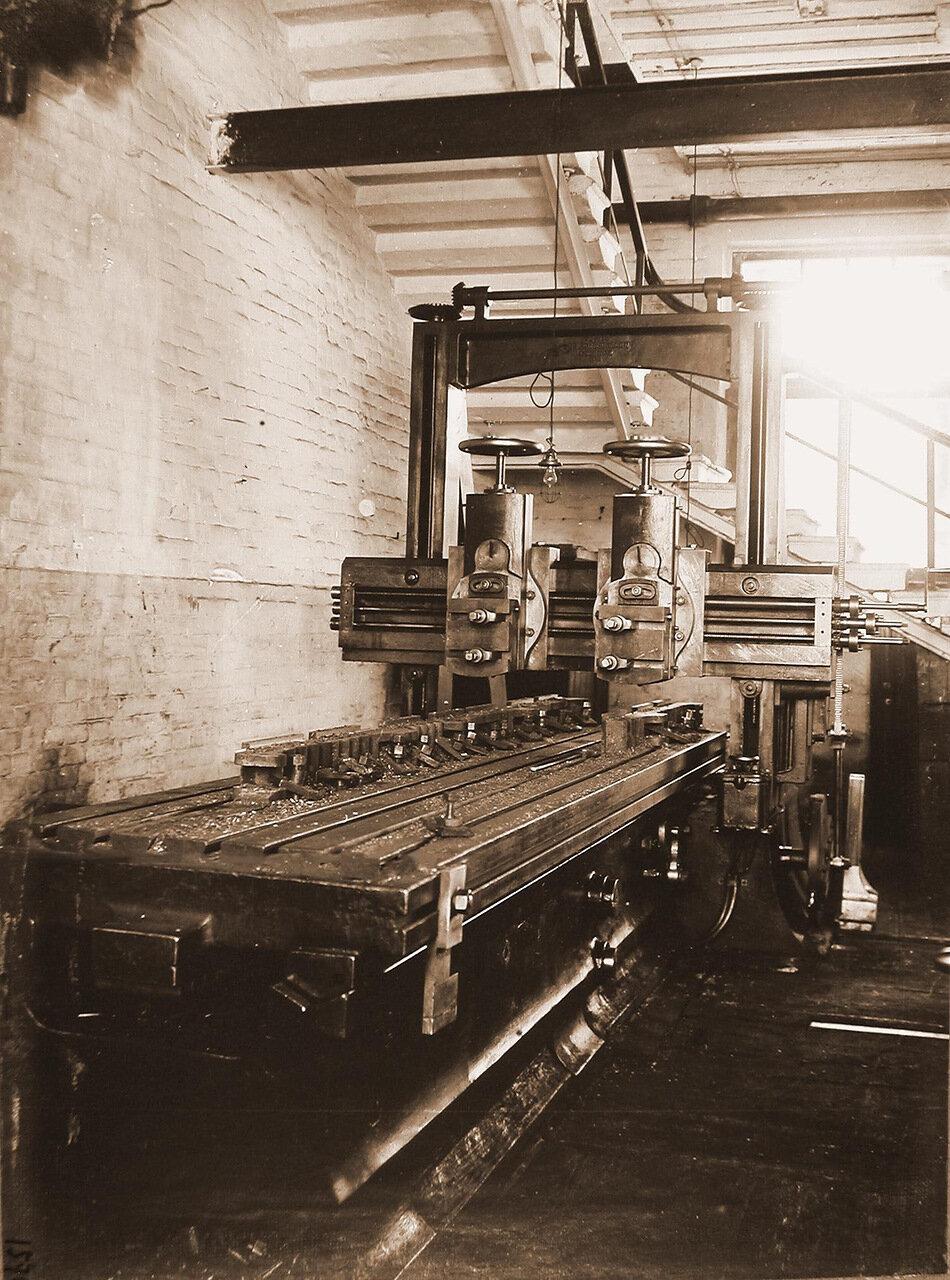 36. Вид станка, произведенного фирмой C. H. Zimmerman Chemnitz в 1869 году, в одном из цехов мастерской