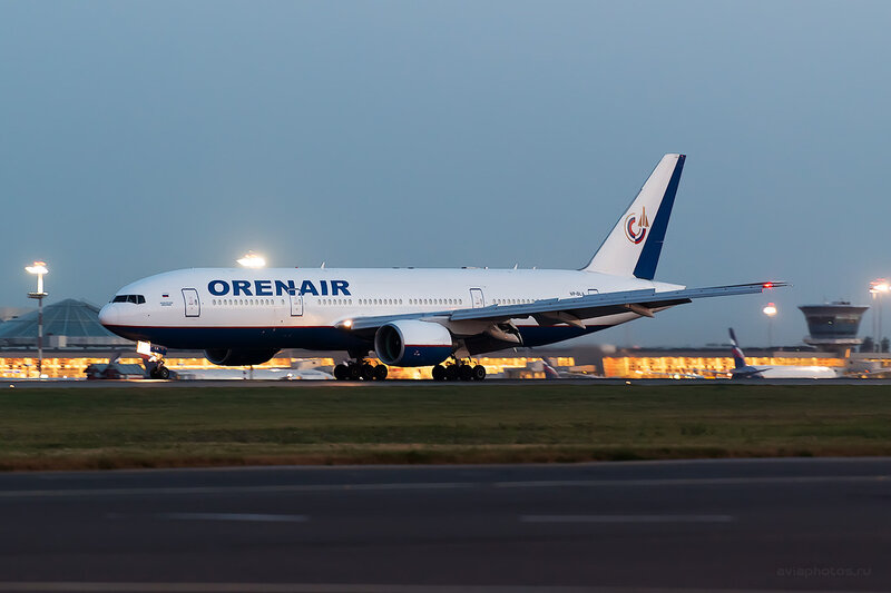Boeing 777-2Q8/ER (VP-BLA) Оренэйр D806936a