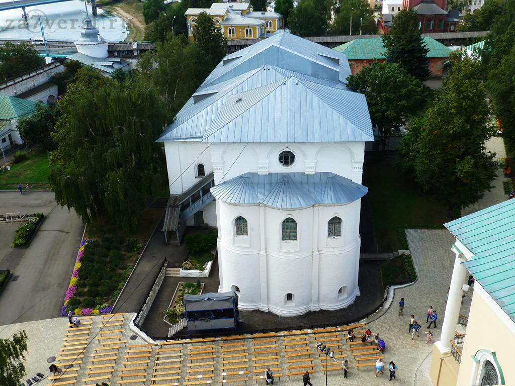 Трапезная с церковью Рождества Христова в Ярославле
