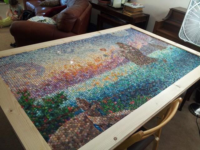 Мама художница делает мозаики из пластилина
