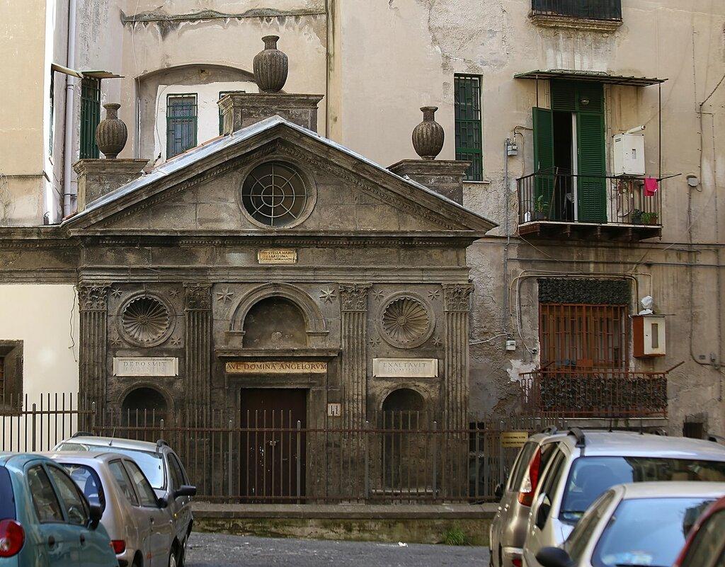 Неаполь. Церковь Санта-Мария-делла-Стелла-алле-Папарелле (Chiesa di Santa Maria della Stella alle Paparelle)