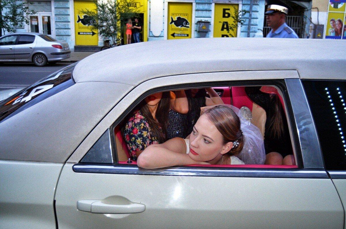 Девушки в лемузинах фото