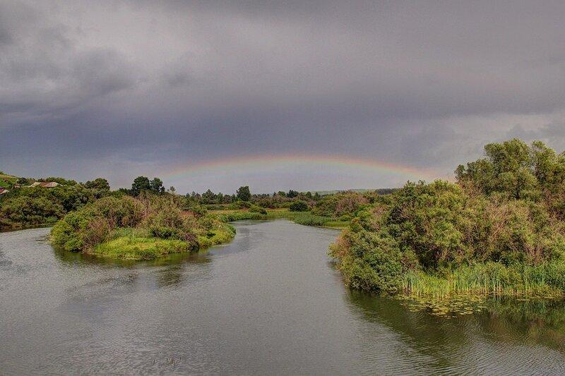 Радуга над рекой Воя, вид от бывшей ГЭС в с. Перевоз