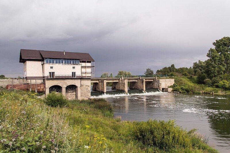 Бывшая ГЭС в с. Перевоз на реке Воя