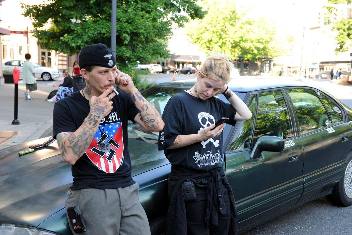 Неонацистская парочка из США: Если у нас родится девочка, мы назовем ее Евой Браун (15)
