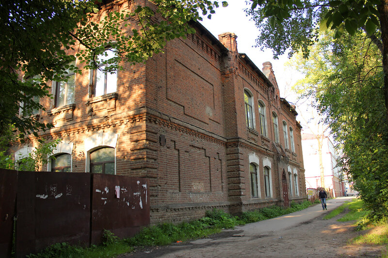 Довоенное здание