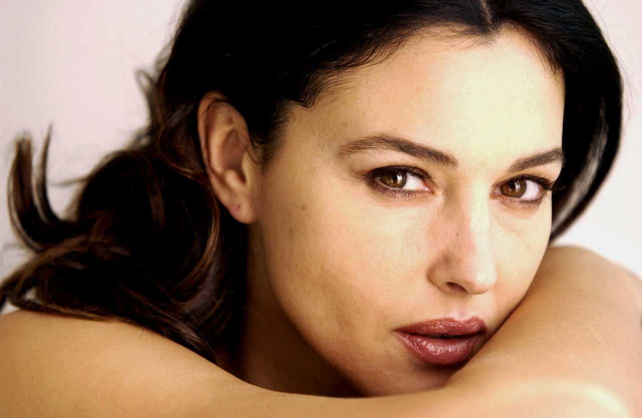 Monica Bellucci, Self Assignment, February 26, 2003