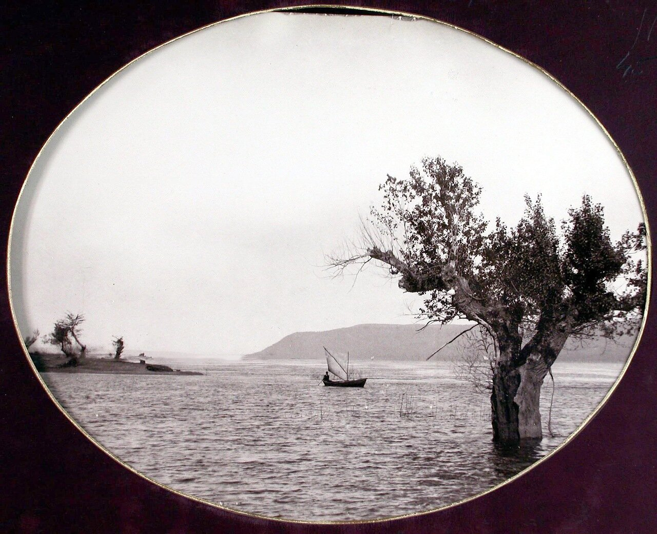 22. Вид на Волгу во время разлива у Жигулевских ворот