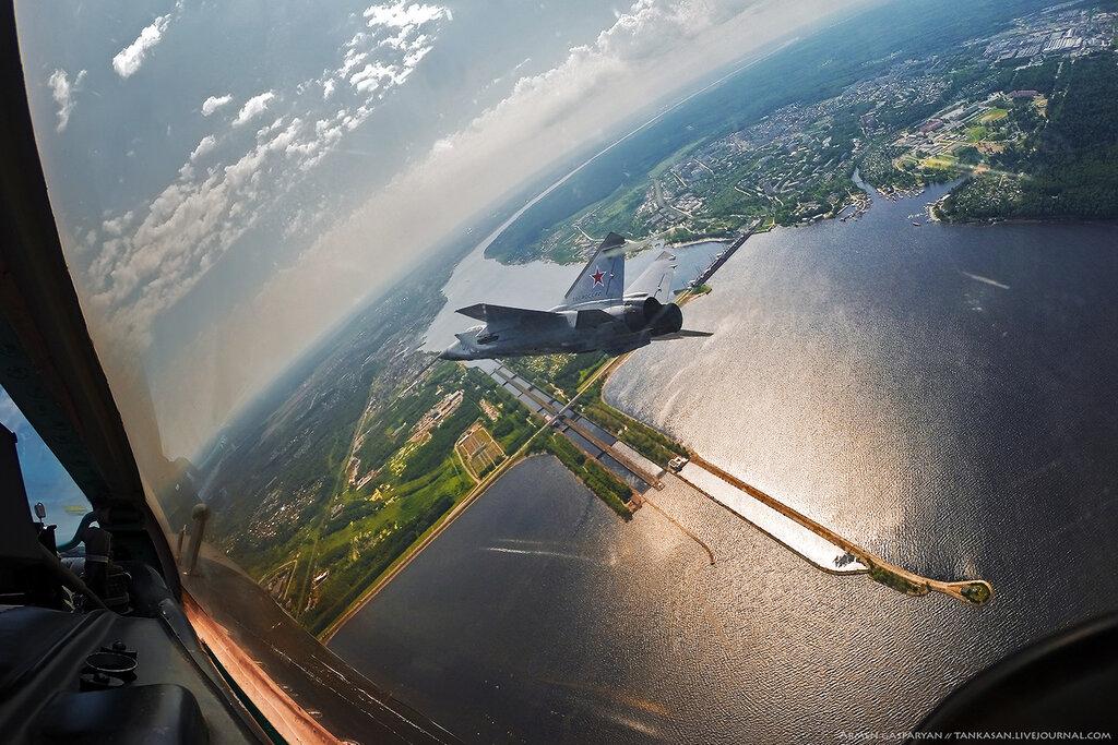 Vídeo: Você já voou em um caça Mig-31?