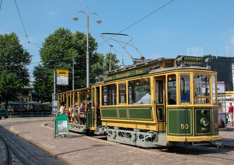 Древний трамвай