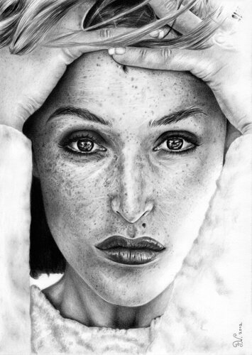 freckled_gillian_anderson_by_fynya-d55p093.jpg