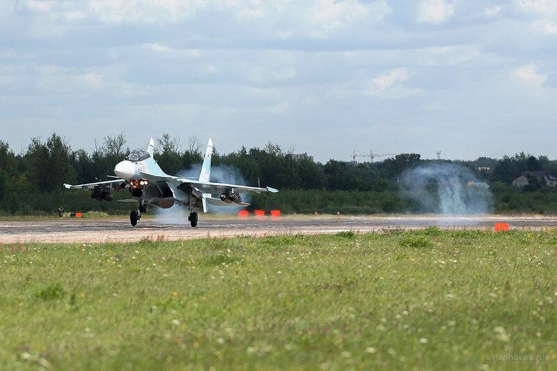 Сухой Су-30СМ (RF-93670 / 26 красный) D800107