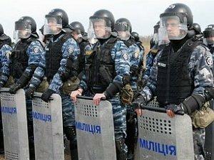 В Киеве милиция открыла огонь по протестующим