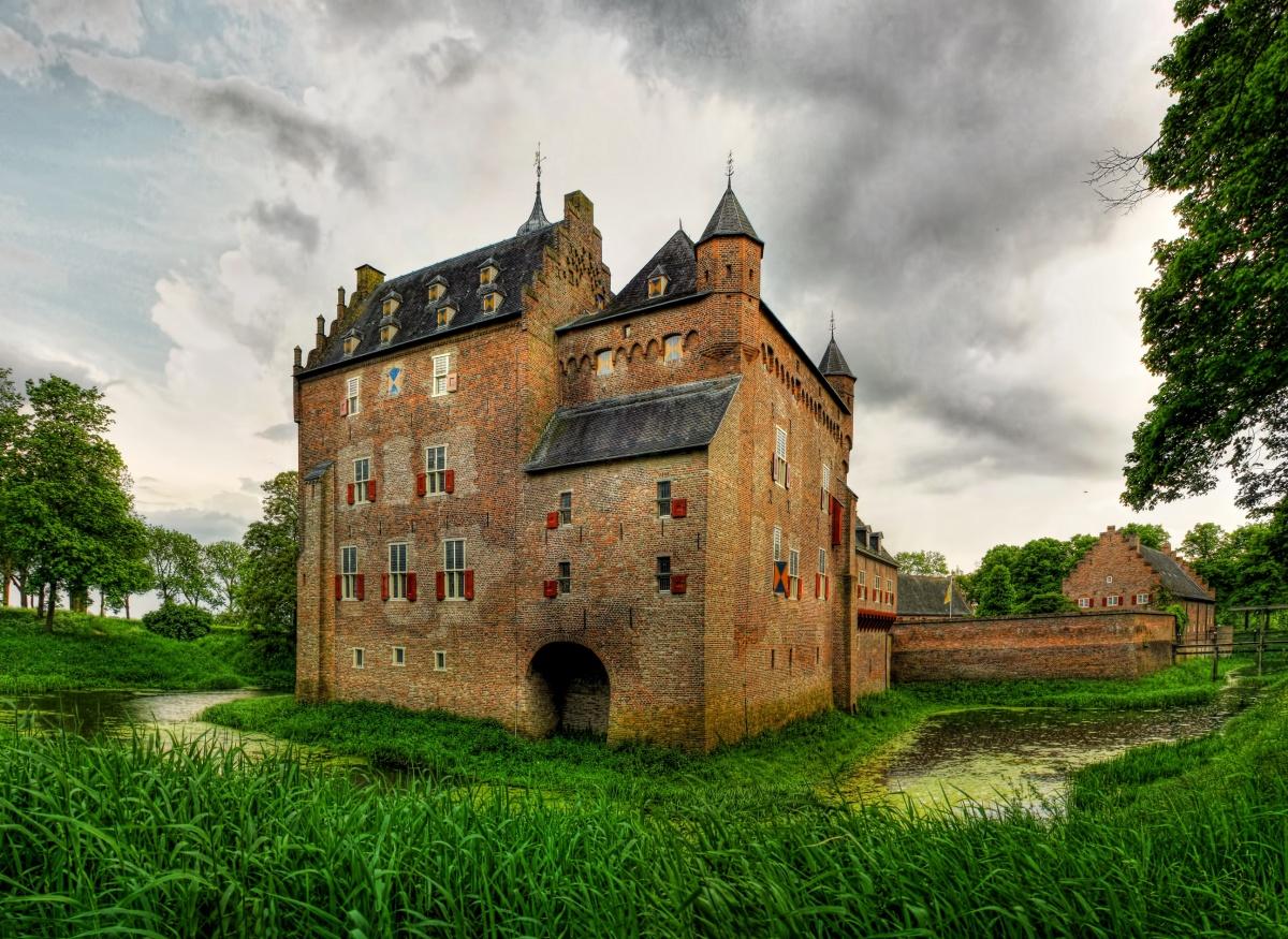решил самый старый замок в мире фото актриса кино