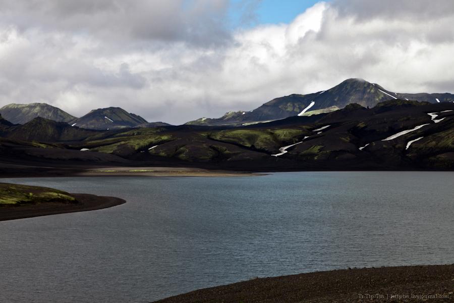 21. Чёрные берега Рейнисфьяра и кратеры вулкана Лаки.