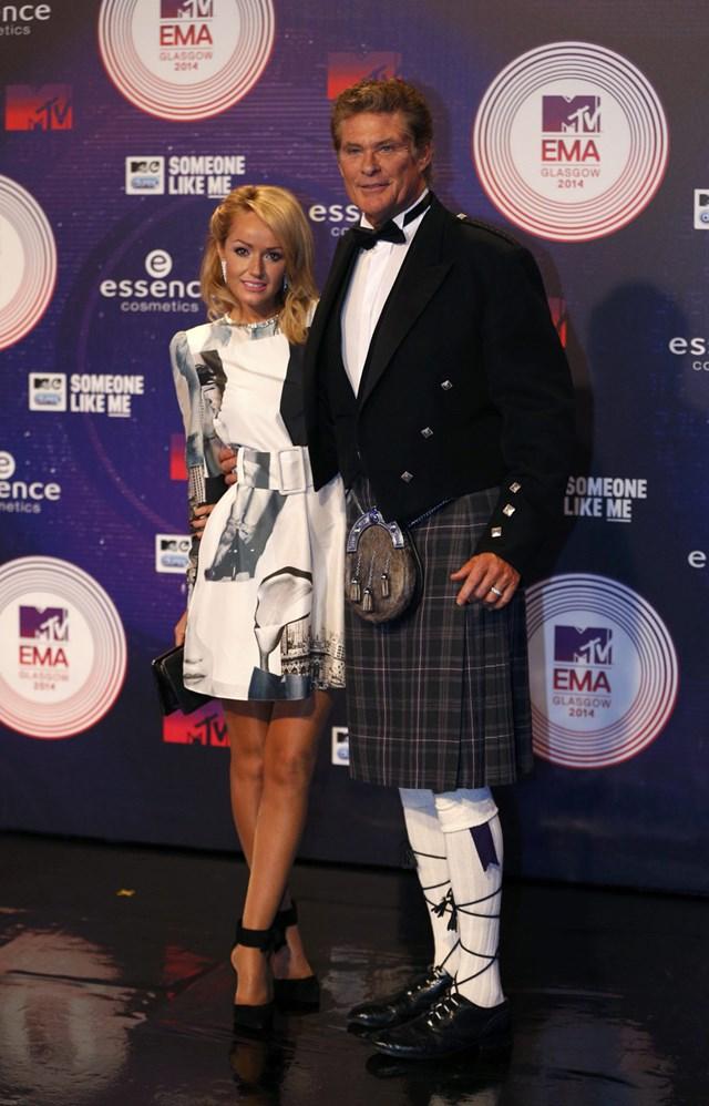 Наряды музыкантов на синей дорожке церемонии MTV Europe 0 110495 27ad66db orig
