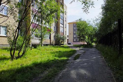 Фото города Инта №7105  Мира 43, Воркутинская 7 и забор 11 13.08.2014_12:49