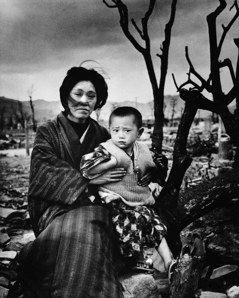 Бомбардировки Хиросимы и Нагасаки (67 ФОТО).
