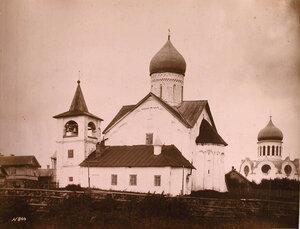 Вид южного фасада церкви Петра и Павла на Городу. Новгород г.