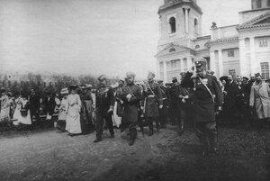 Прибытие императора Николая II в Калугу к месту расположения войск, направляющихся на фронт.