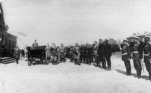 Прибытие императора Николая II к месту расположения войск, отправляющихся на фрон.