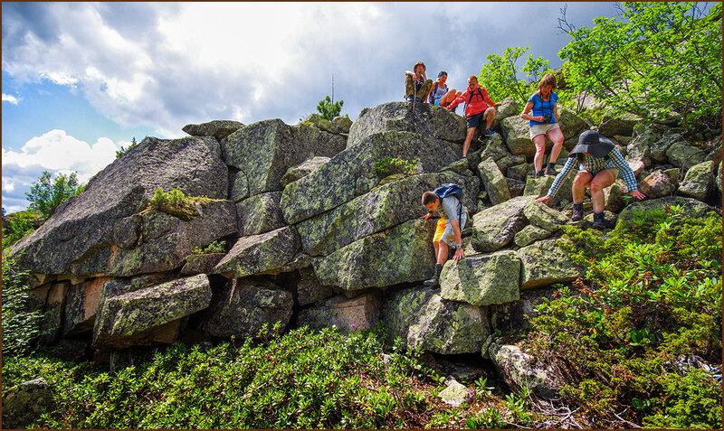 Путь по скалам