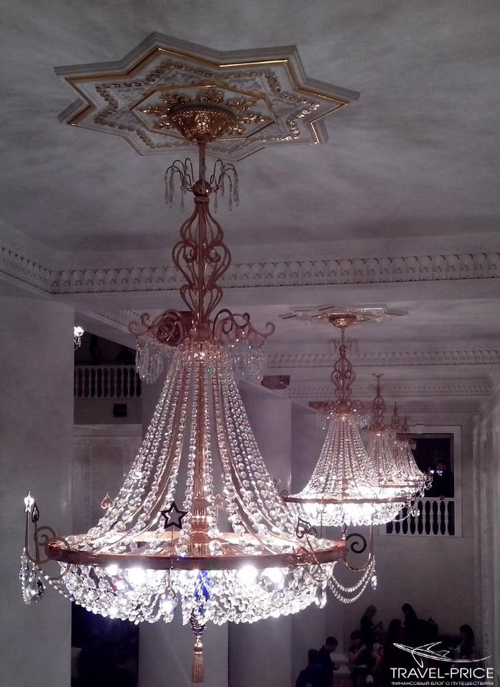 люстры в театре оперы и балета в Казани