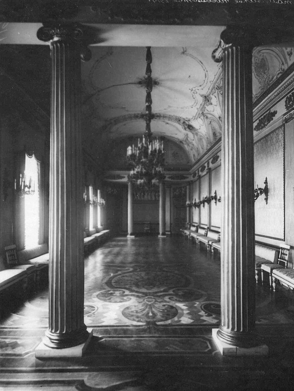 36. Танцевальный зал