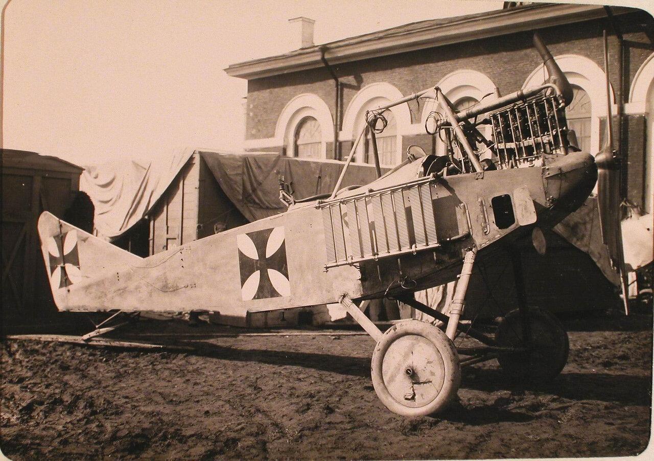 34. Общий вид летательного аппарата Альбатрос, захваченного у неприятеля.Псков
