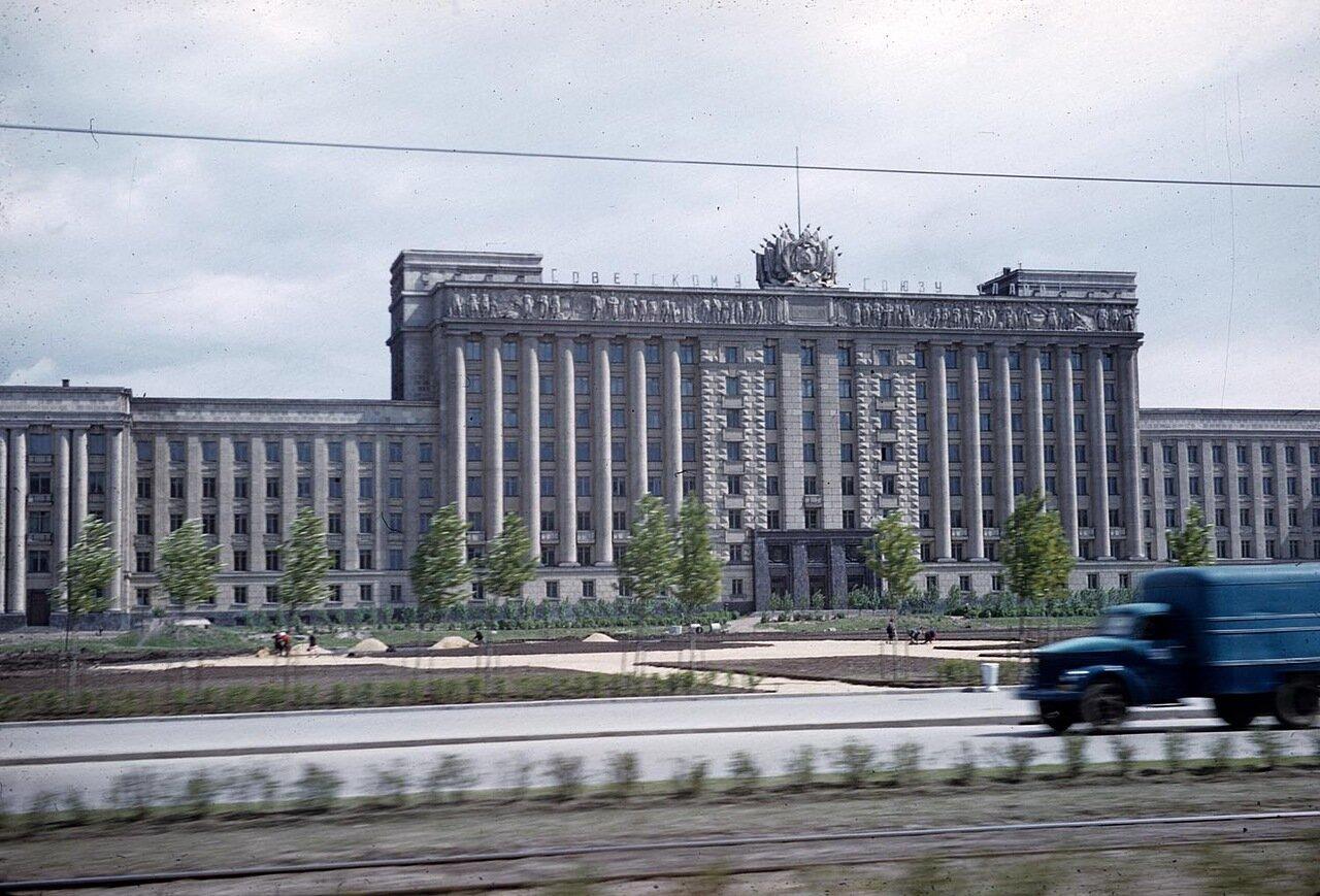 11.Ленинград. Дом Советов. Московская площадь