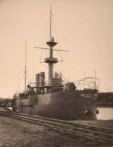 Общий вид канонерской лодкиКореец.