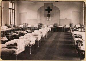 Вид одной из палат госпиталя, оборудованного в здании Политехнического института.
