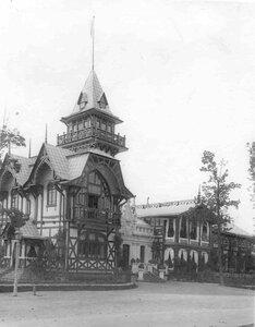 Угловой фасад дачи графини М.Э.Клейнмихель.