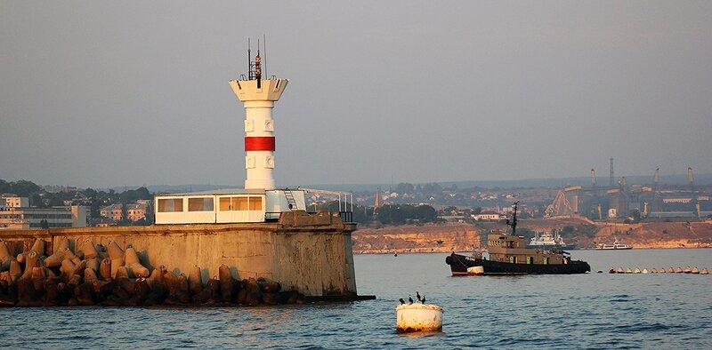 Выход из Севастопольской бухты