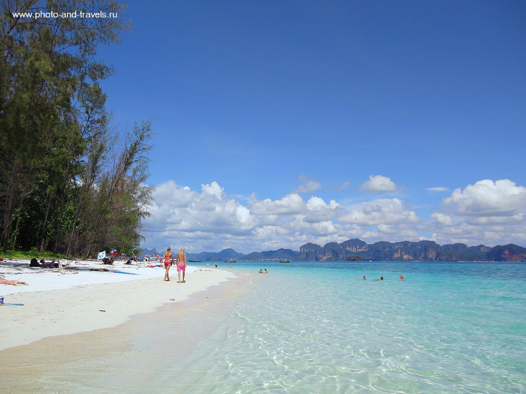 11. Во время одной из экскурсий мы прибыли на Бамбуковый остров (Bamboo). От белого песка слепило глаза.