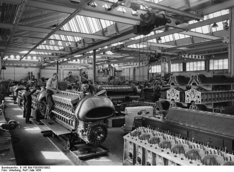 Stuttgart-Untertьrkheim, Daimler-Benz Motorenbau